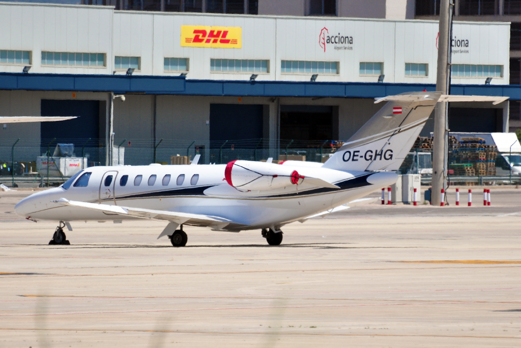 OE-GHG CITATION JET3 SALZBURG JET AVIATION 1024.jpg