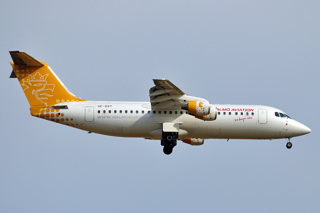 SE-DST AVRO RJ100 MALMO AVIATION 1024.jpg