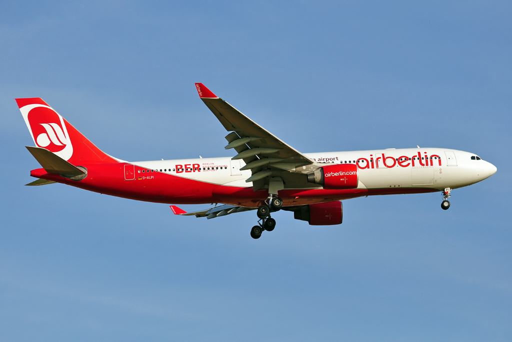 D-ALPI A330-200 AIR BERLIN berlin 2012 1024.jpg
