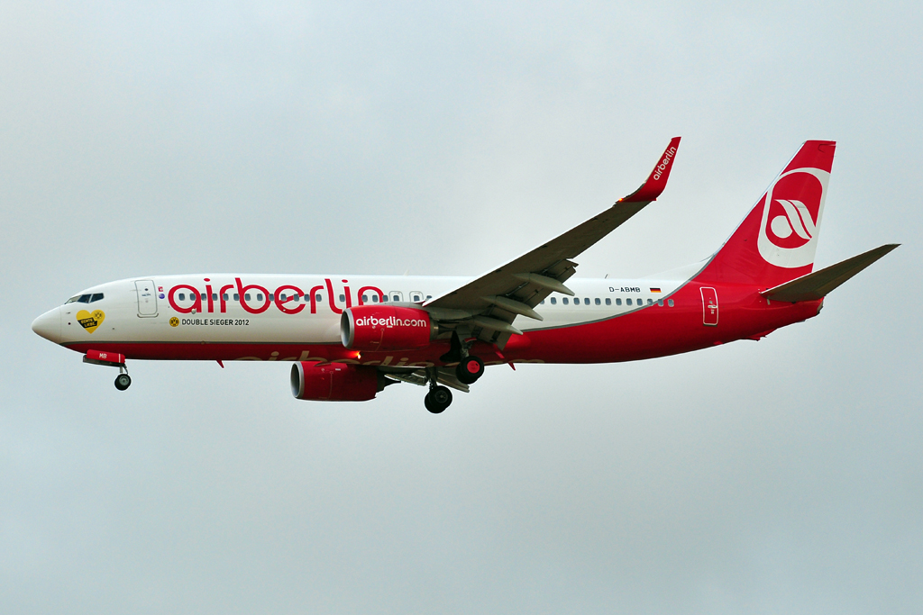 D-ABMB B737-800 AIR BERLIN - bvb double sieger 2012.jpg