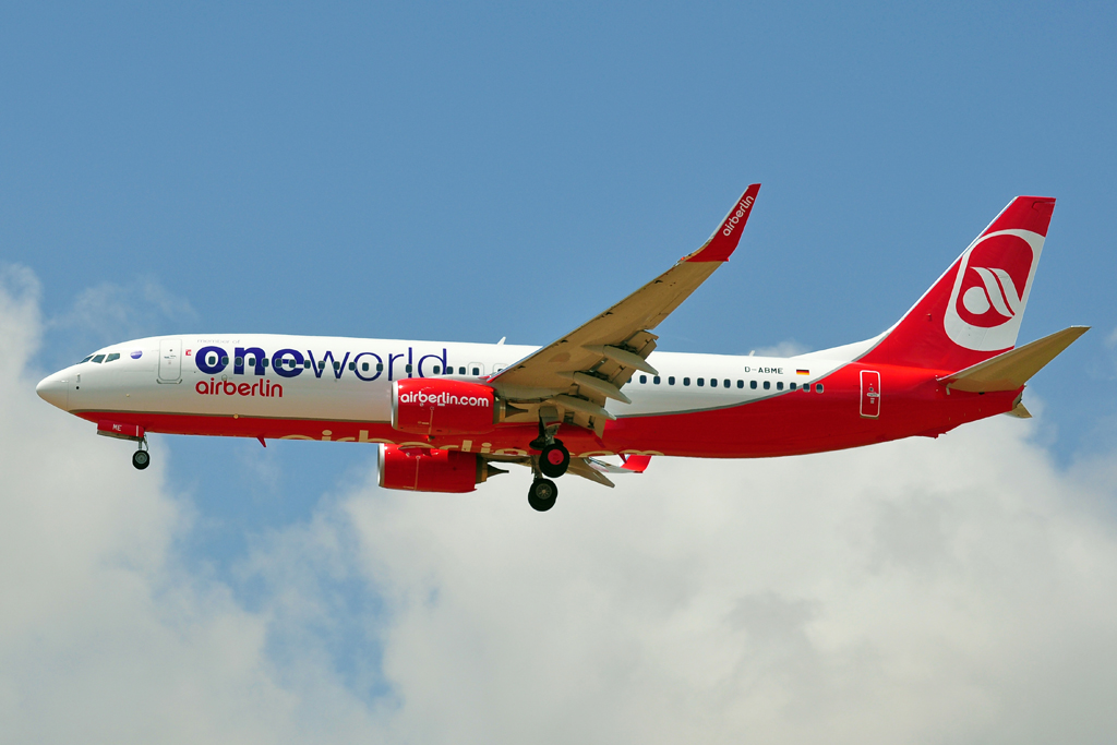 D-ABME B737-800 AIR BERLIN one world 2.jpg