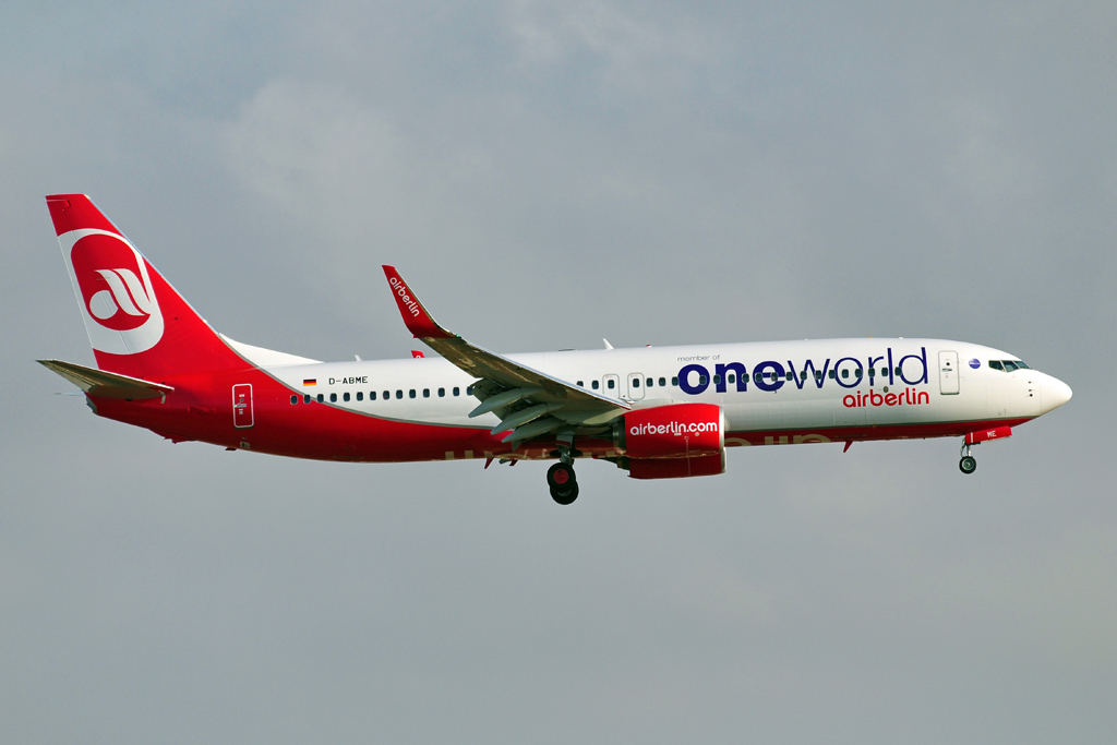 D-ABME B737-800 AIR BERLIN one world.jpg