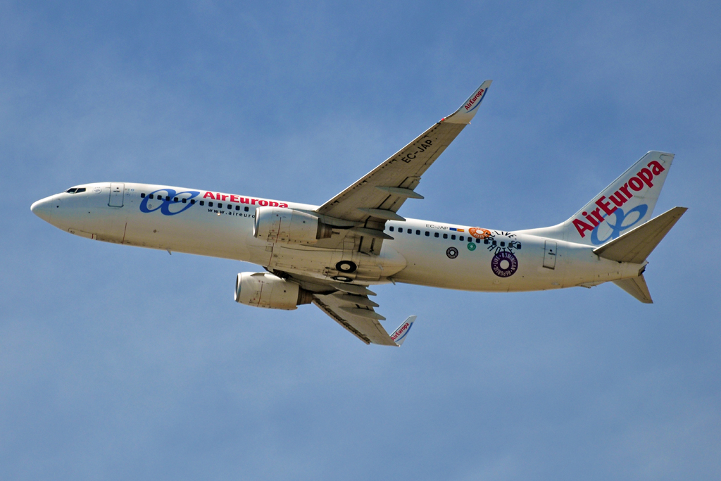 EC-JAP B737-800 AIR EUROPA be live hotels.jpg