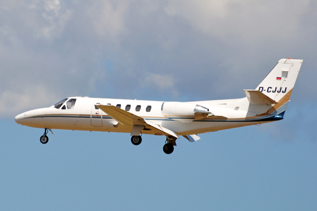 D-CJJJ CESSNA CITATION II PRIVADO.jpg