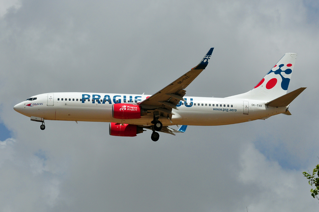 OK-TVX B737-800 TRAVEL SERVICE prague love you.jpg