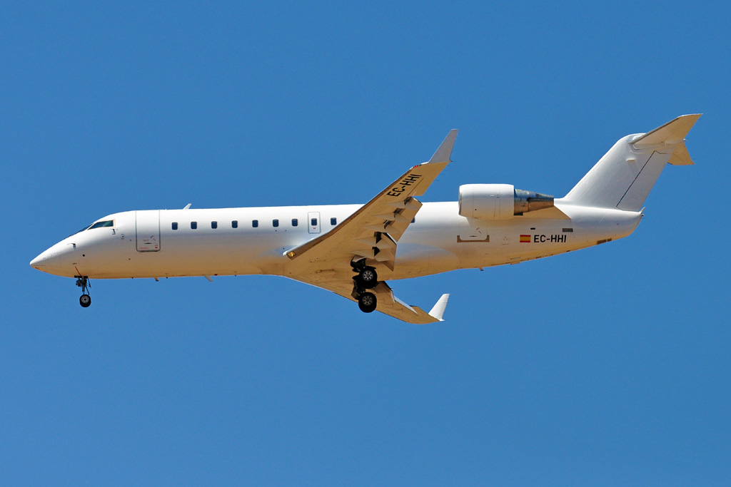 EC-HHI CRJ200 AIR NOSTRUM branco.jpg