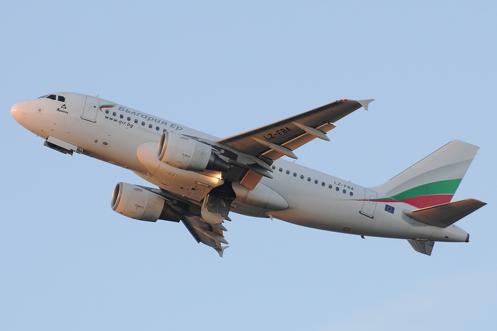 BULGARIA AIR LZ-FBA.jpg