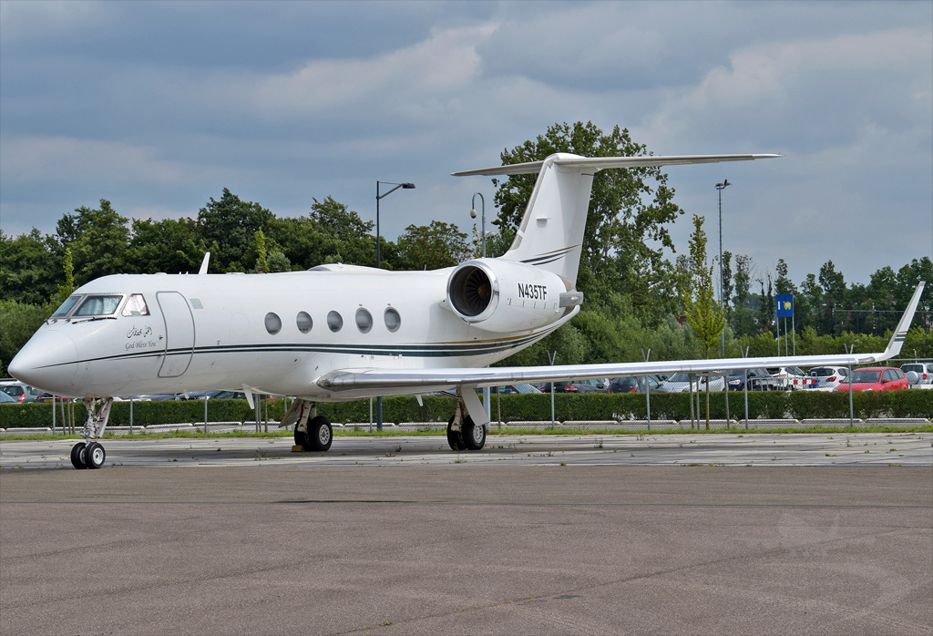 JET MIDWEST GROUP LLC GULFSTREAM AEROSPACE G-IV N435TF.jpg