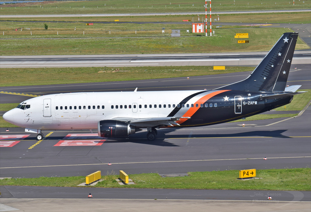 TITAN AIRWAYS B737 G-ZAPW.jpg