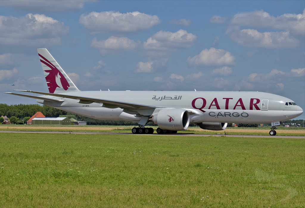 QATAR AIRWAYS CARGO B777 A7-BFH.jpg