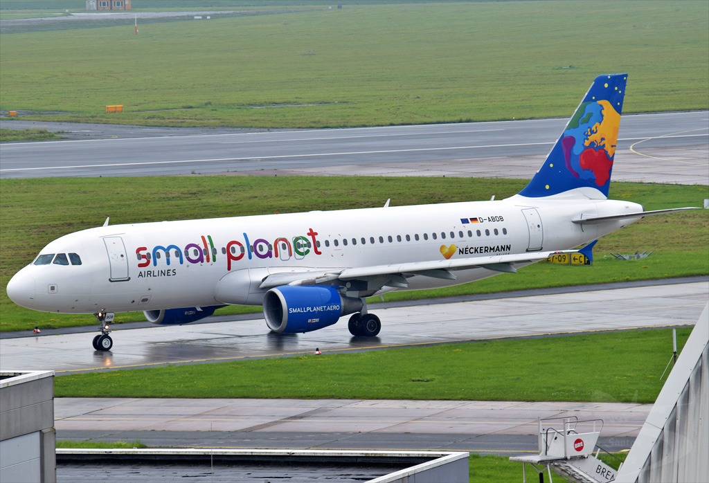 SMALL PLANET GERMANY AIRLINES A320 D-ABDB.jpg