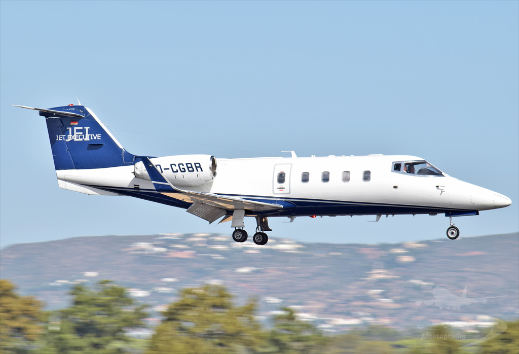JET EXECUTIVE INTERNATIONAL CHARTER BOMBARDIER LEARJET 55 D-CGBR.jpg