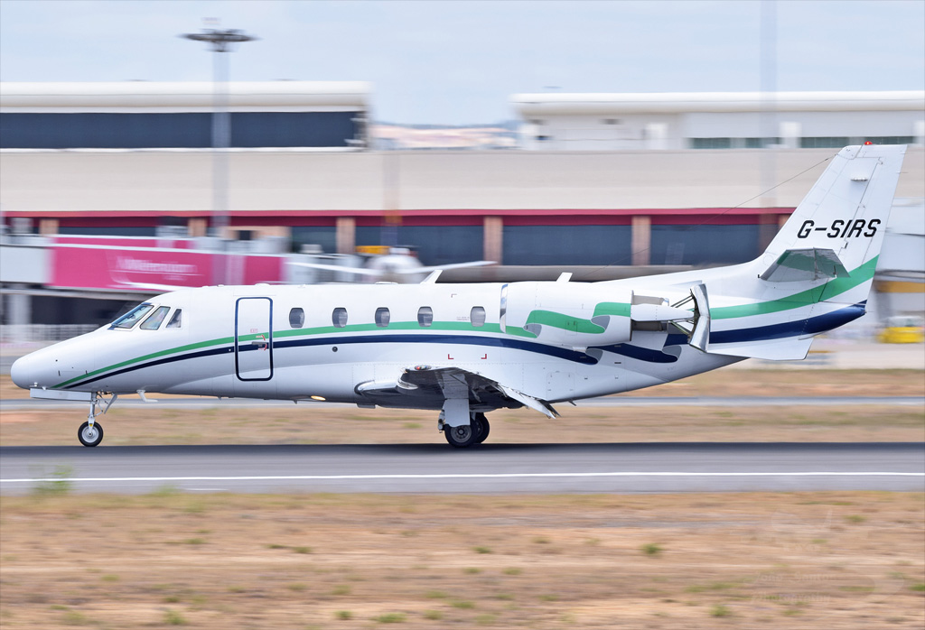 LONDON EXECUTIVE AVIATION CESSNA 560XL CITATION EXCEL G-SIRS.jpg